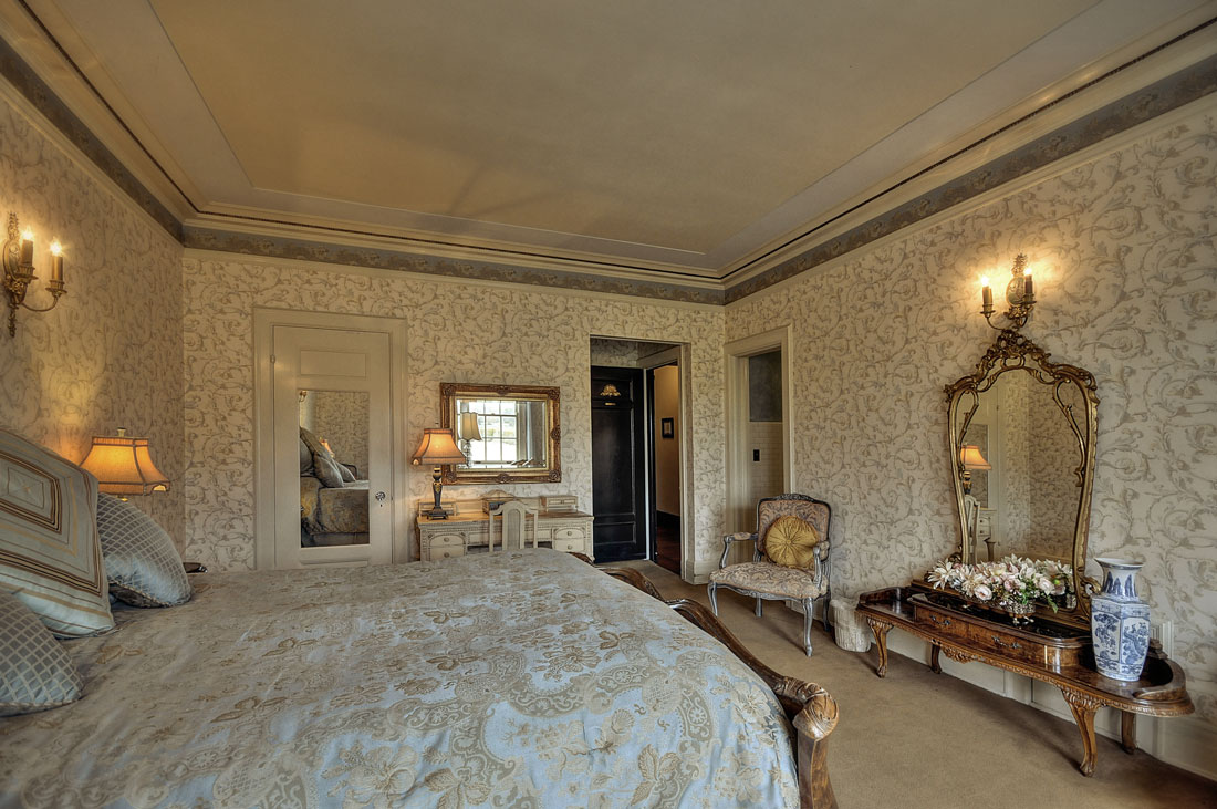 The Bach Suite at the Grand Island Mansion