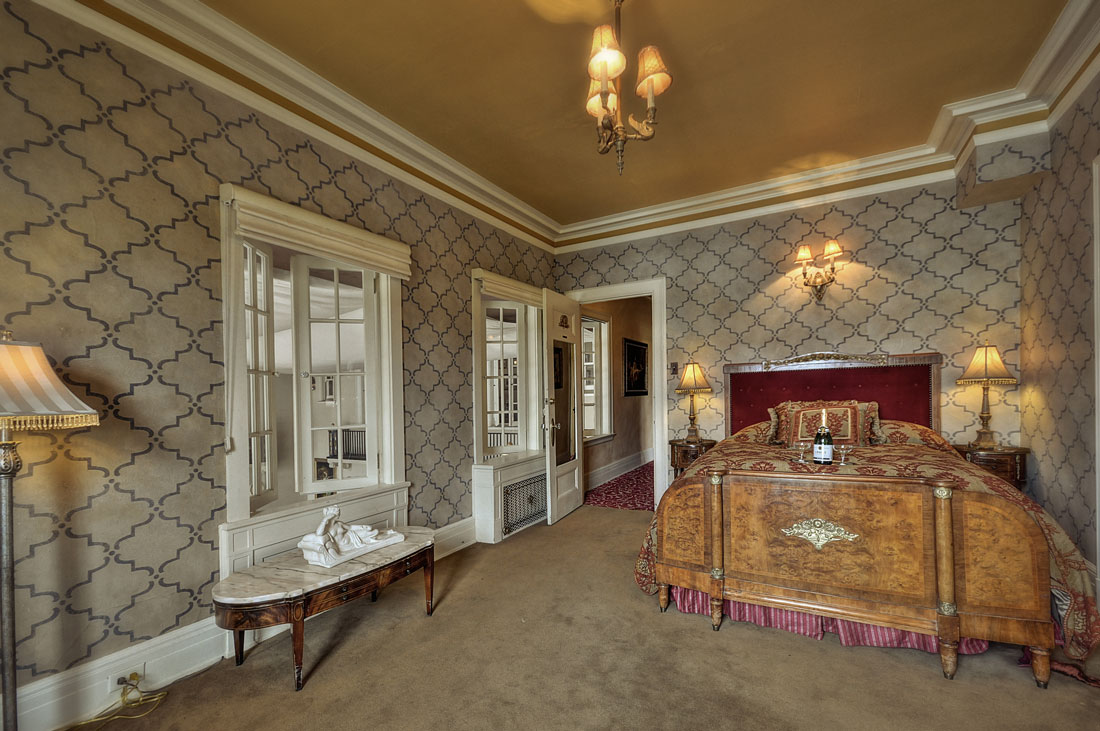 The Beethoven Suite at the Grand Island Mansion