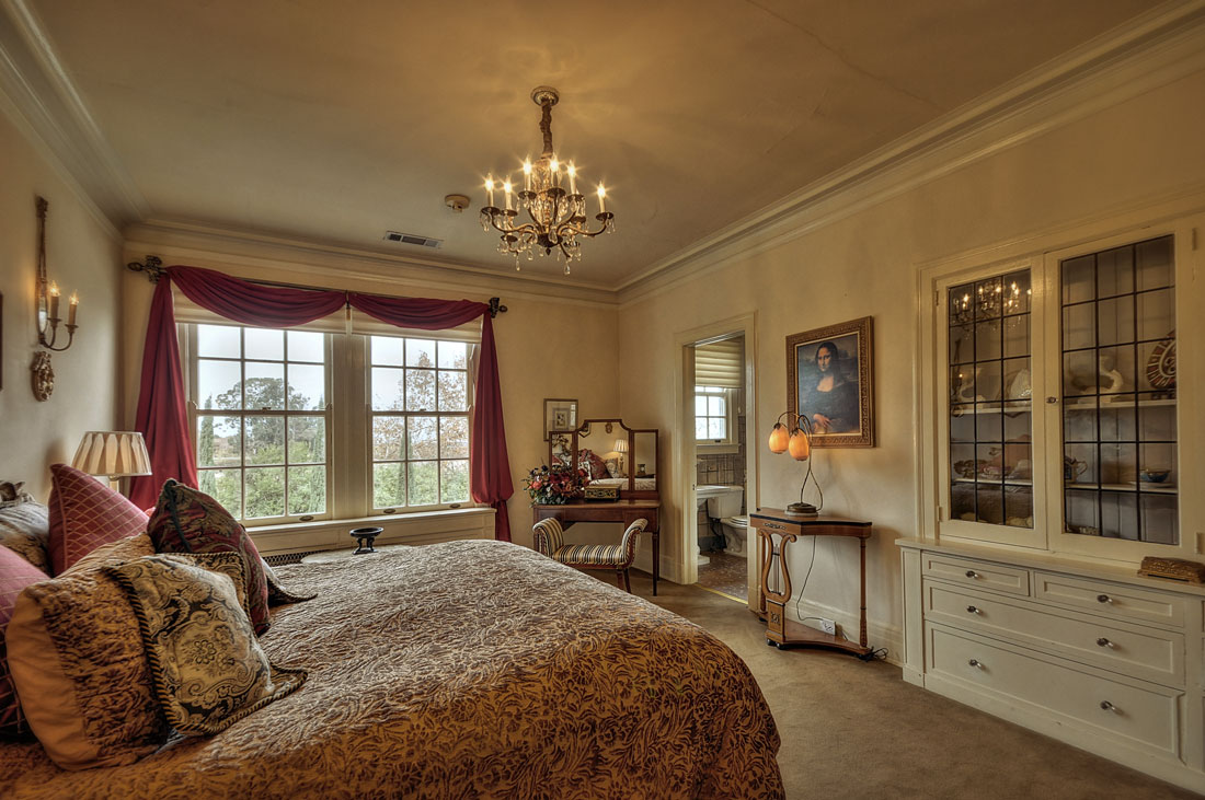 The Brahms Suite at the Grand Island Mansion