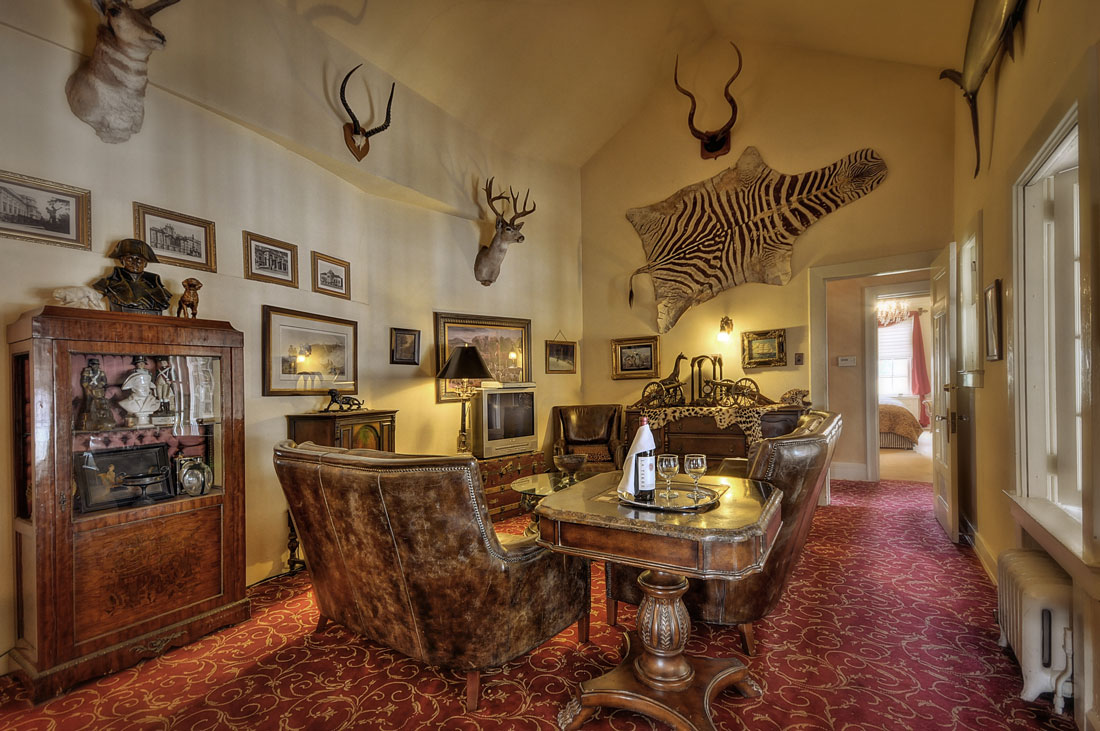 The Hemingway Huntsman Lounge Suite at the Grand Island Mansion