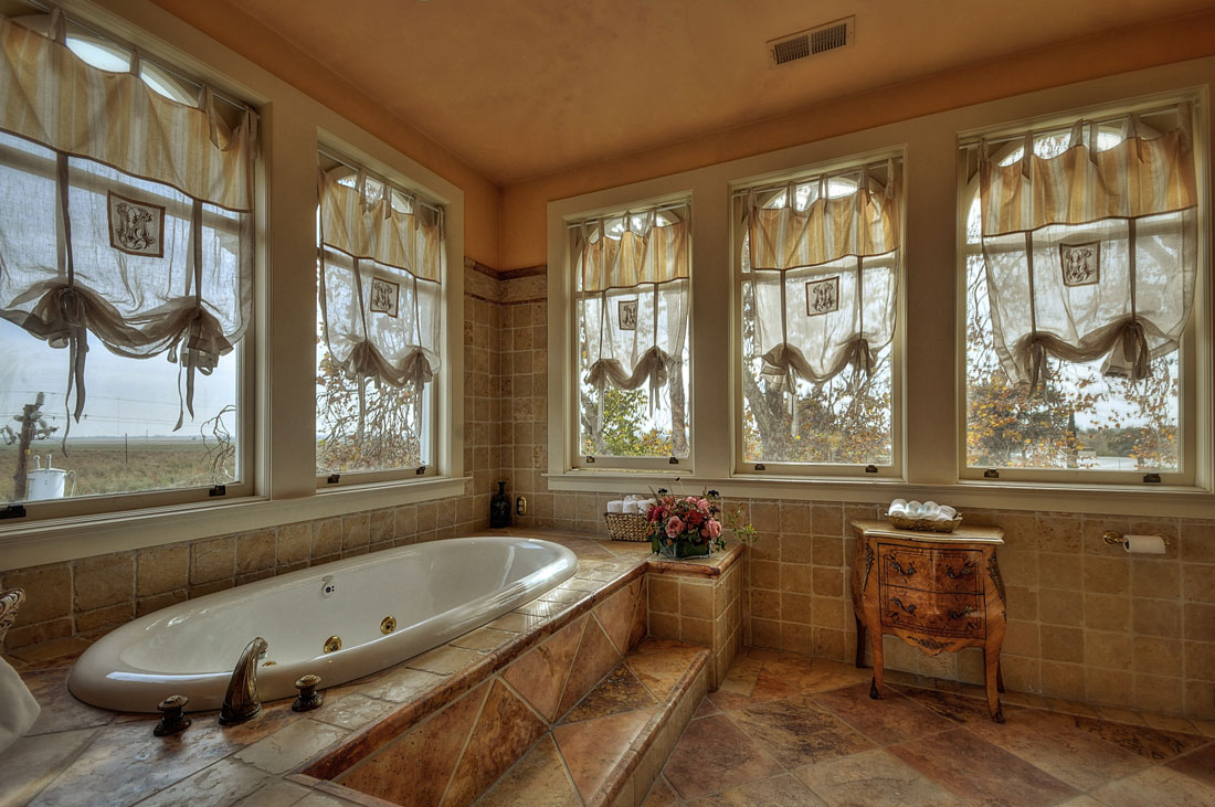 The Schubert Suite at the Grand Island Mansion